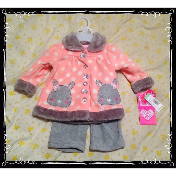 89c5a835aaf3 Young Hearts Infant Winter Set SZ 0-3 Months NWT!